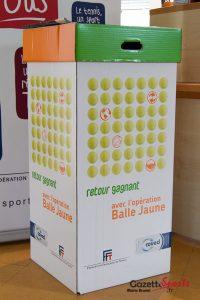 150325-TENNIS-OPERATION-BALLES-JAUNES-4-GAZETTE-MARIEBRUNEL