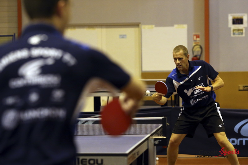 Focus club de l 39 amiens sport tennis de table gazettesports - Club tennis de table paris ...