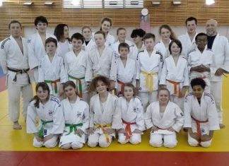 jeunes du judo club longueau