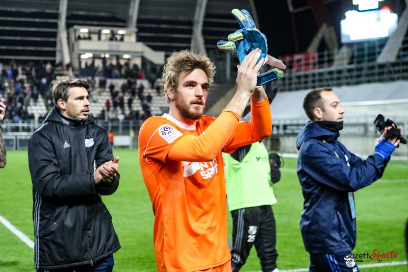 Football amiens vs lille 0811 leandre leber gazettesports gazettesports - Amiens lille coupe de france ...
