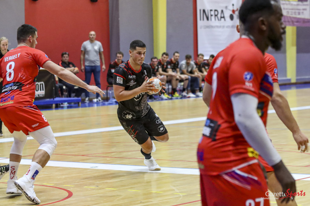 HANDBALL: Two factors away from the feat