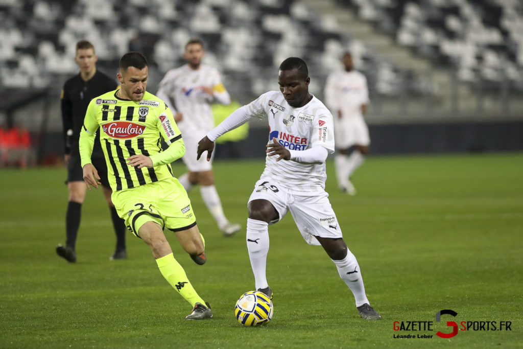 Football Coupe Amiens Sc Vs Angers Akolo 0002 Leandre Leber Gazettesports
