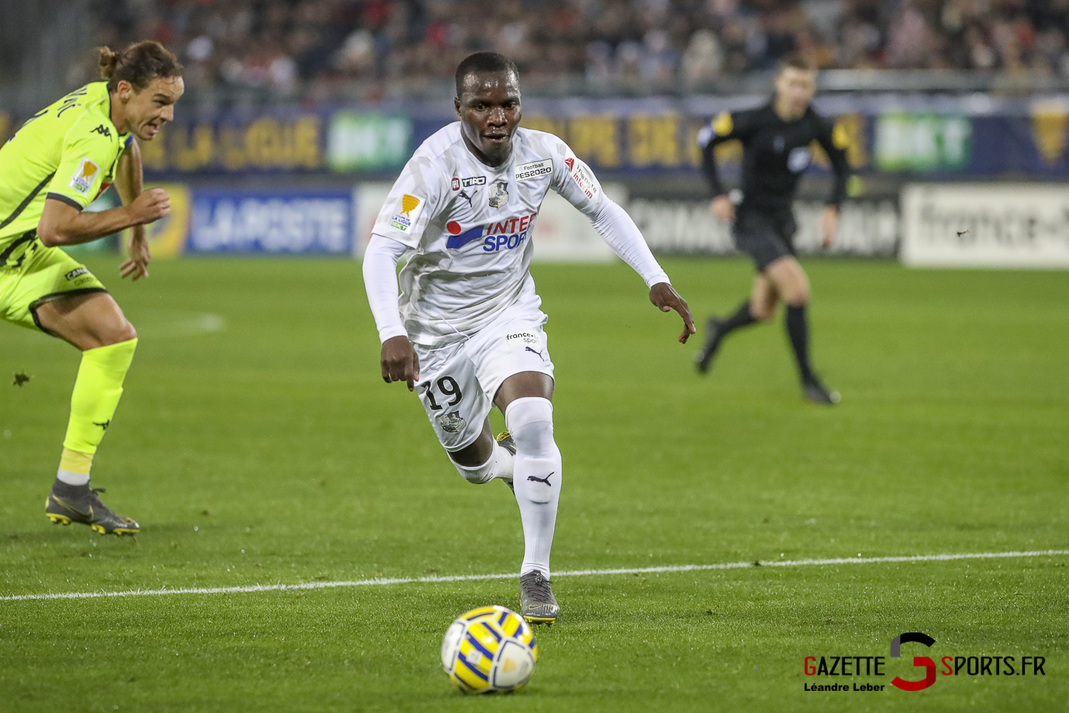 Football Coupe Amiens Sc Vs Angers Akolo 0005 Leandre Leber Gazettesports