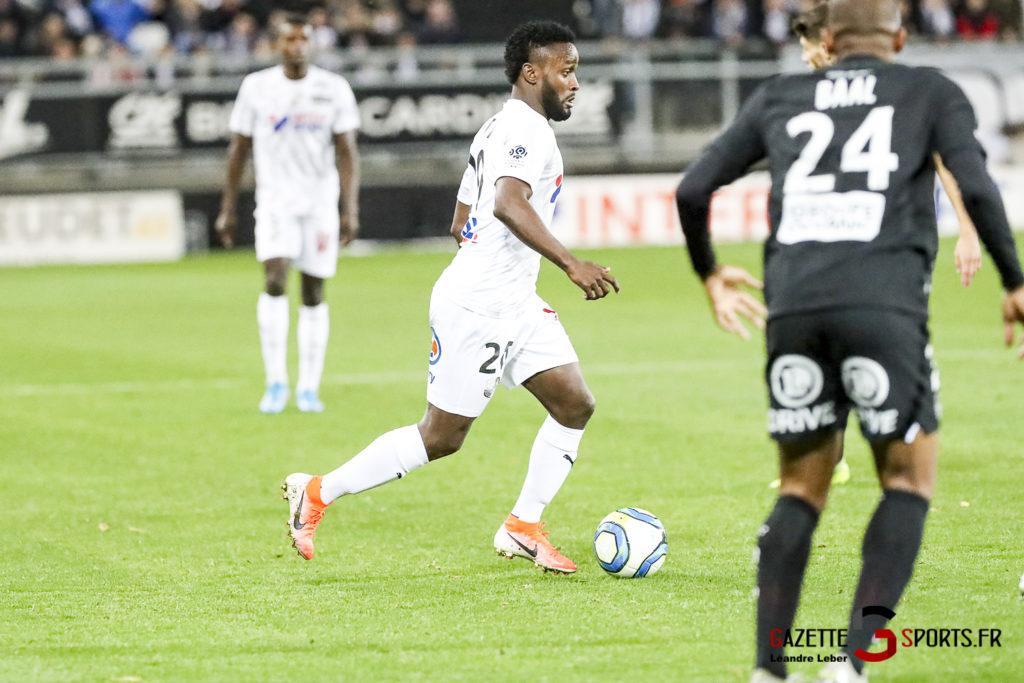 Ligue 1 Football Amiens Vs Brest Stiven Mendoza 0003 Leandre Leber Gazettesports
