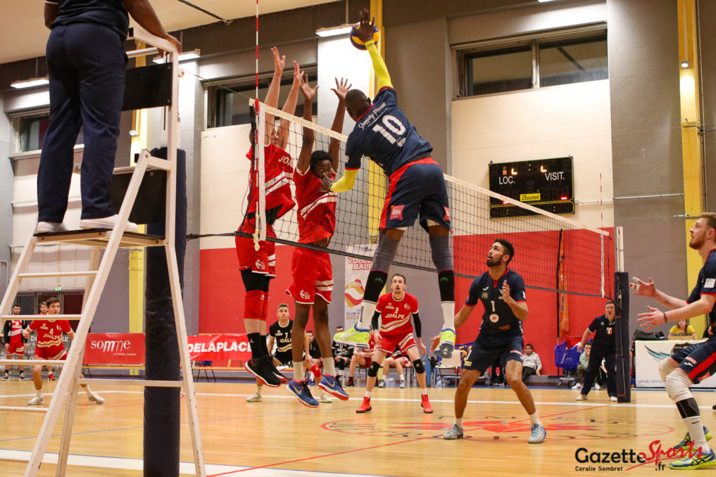 Volley Ball Amvb Vs Michelet Halluin Gazette Sports Coralie Sombret 11 1017x678 1