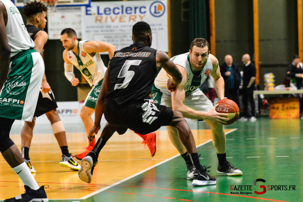 Basketball Esclams Vs Cergy Kevin Devigne Gazettesports 60