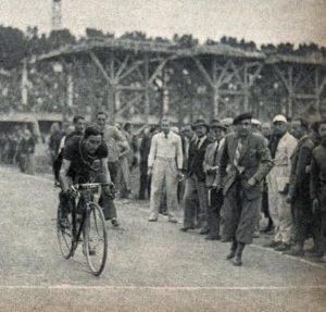 Tour De France 1939, L'arrivée à Toulouse Du Vainqueur D'étape Edward Vissers, Au Nouveau Stadium Municipal