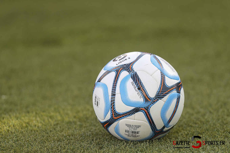 Football Amical Amiens Sc Vs Chambly Ballon Match 0002 Leandre Leber Gazettesports