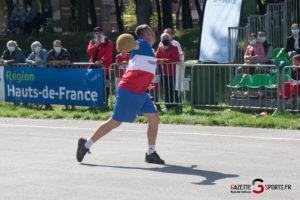Ballon Au Poing (reynald Valleron) (54)