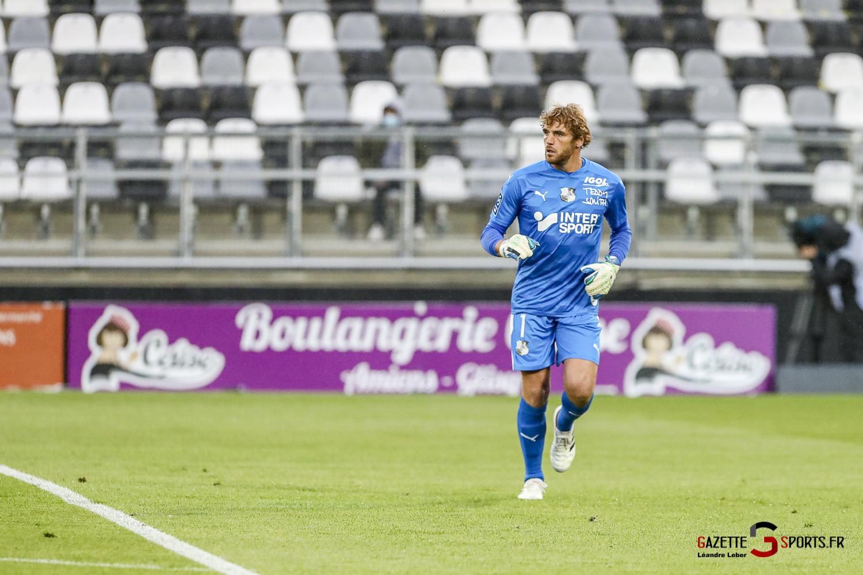 Ligue 2 Asc Amiens Vs Pau 0014 Leandre Leber Gazettesports
