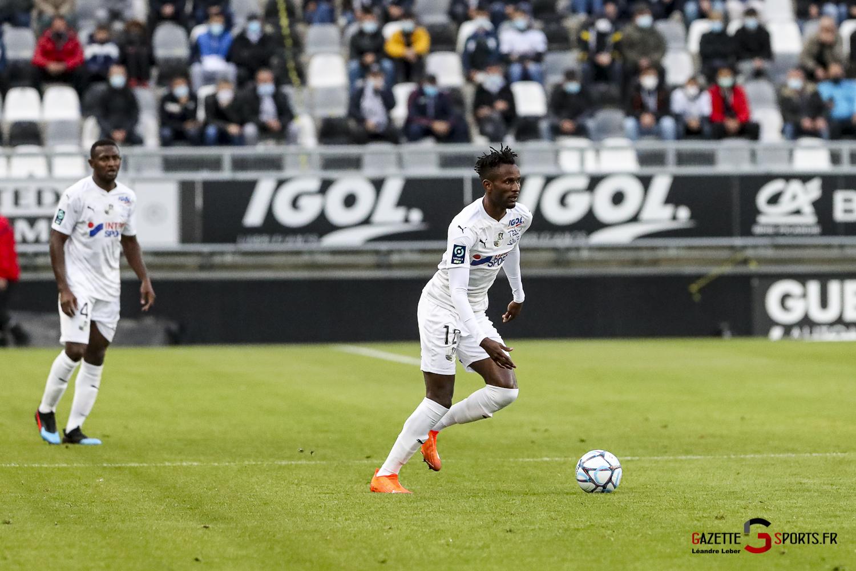 Ligue 2 Asc Amiens Vs Pau 0028 Leandre Leber Gazettesports