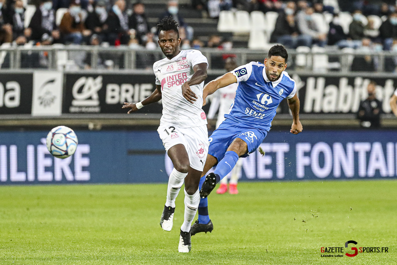 Football Ligue 2 Amiens Vs Grenoble 0009 Leandre Leber Gazettesports