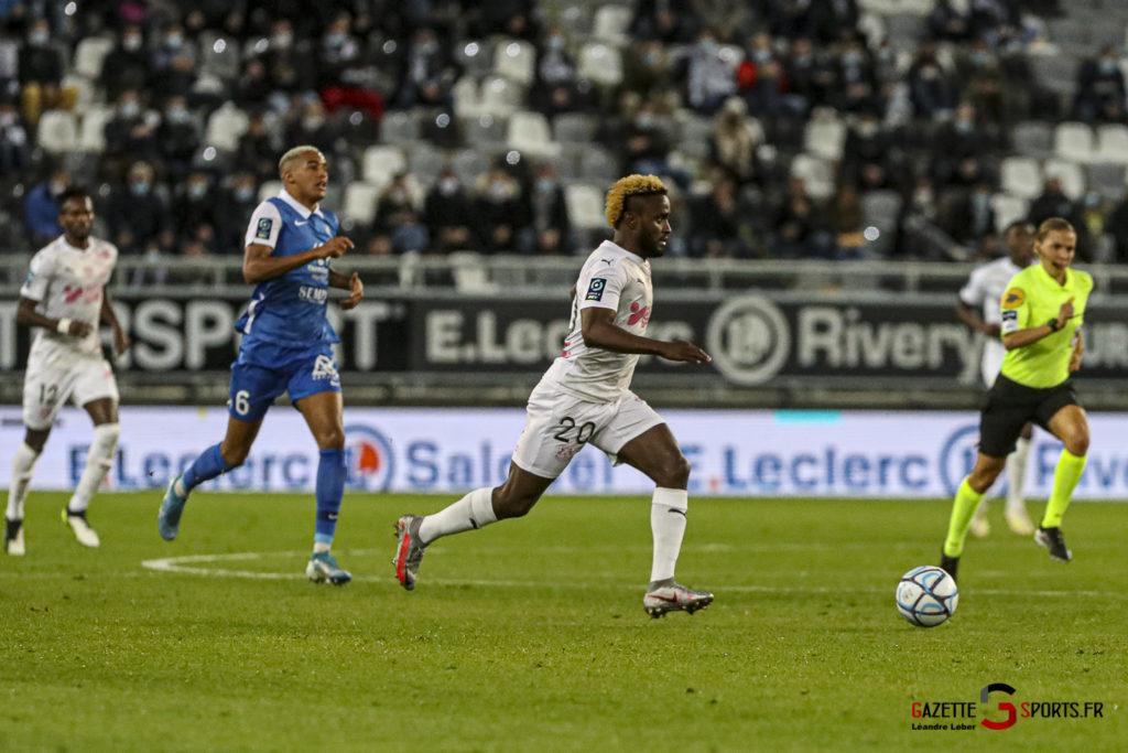 Football Ligue 2 Amiens Vs Grenoble 0010 Leandre Leber Gazettesports