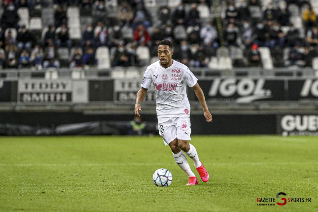Football Ligue 2 Amiens Vs Grenoble 0011 Leandre Leber Gazettesports