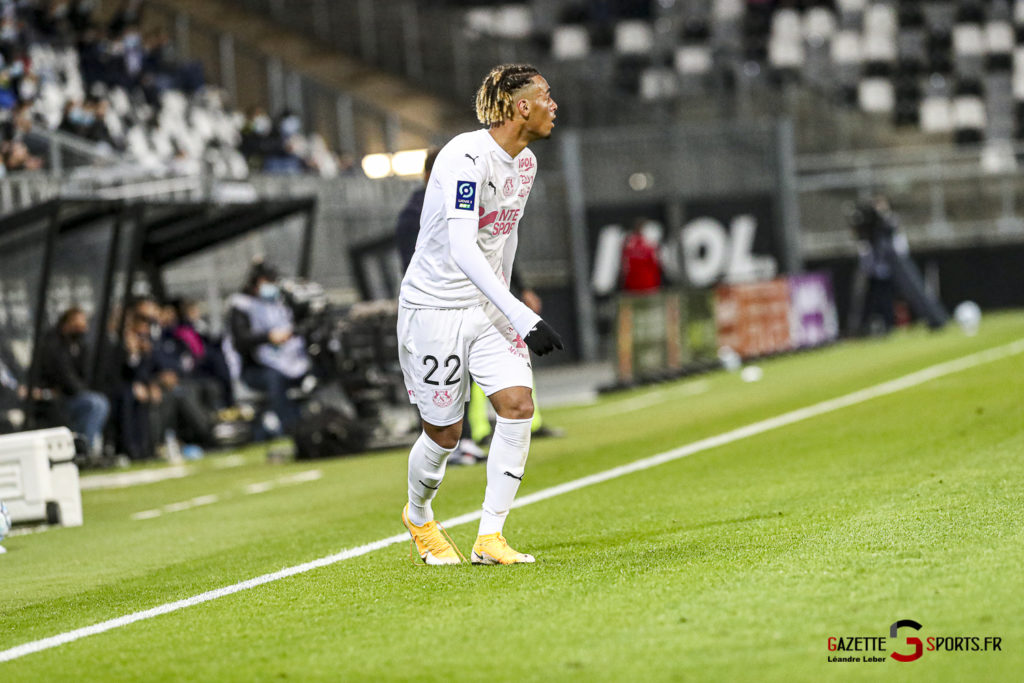Football Ligue 2 Amiens Vs Grenoble 0014 Leandre Leber Gazettesports