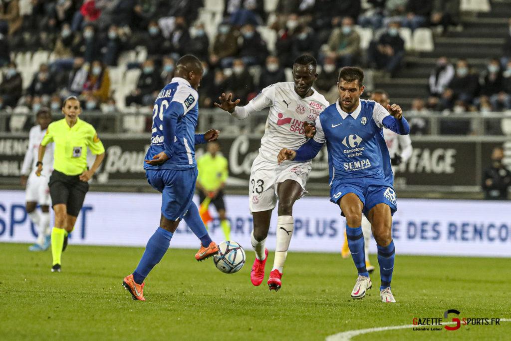 Football Ligue 2 Amiens Vs Grenoble 0023 Leandre Leber Gazettesports