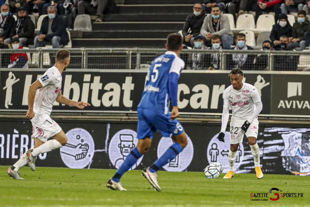 Football Ligue 2 Amiens Vs Grenoble 0024 Leandre Leber Gazettesports