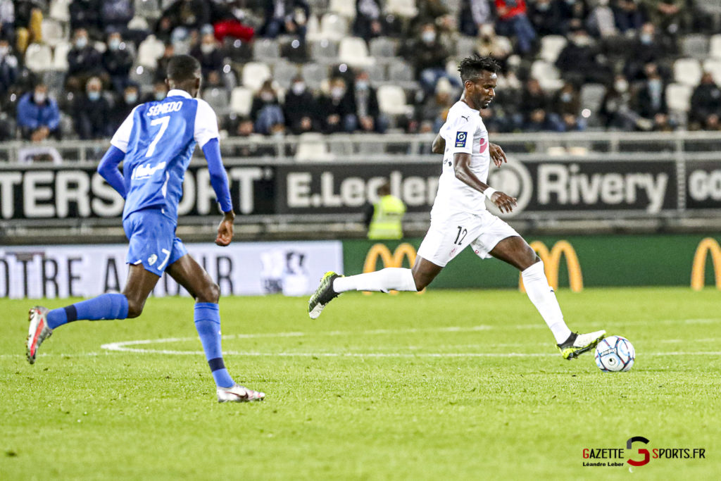 Football Ligue 2 Amiens Vs Grenoble 0025 Leandre Leber Gazettesports