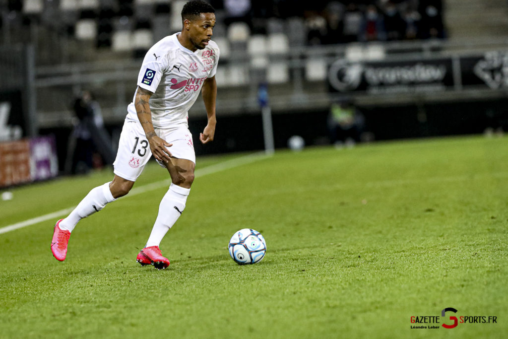Football Ligue 2 Amiens Vs Grenoble 0026 Leandre Leber Gazettesports