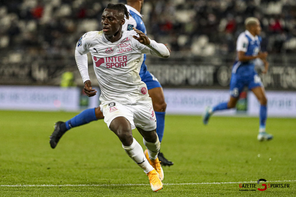 Football Ligue 2 Amiens Vs Grenoble 0036 Leandre Leber Gazettesports