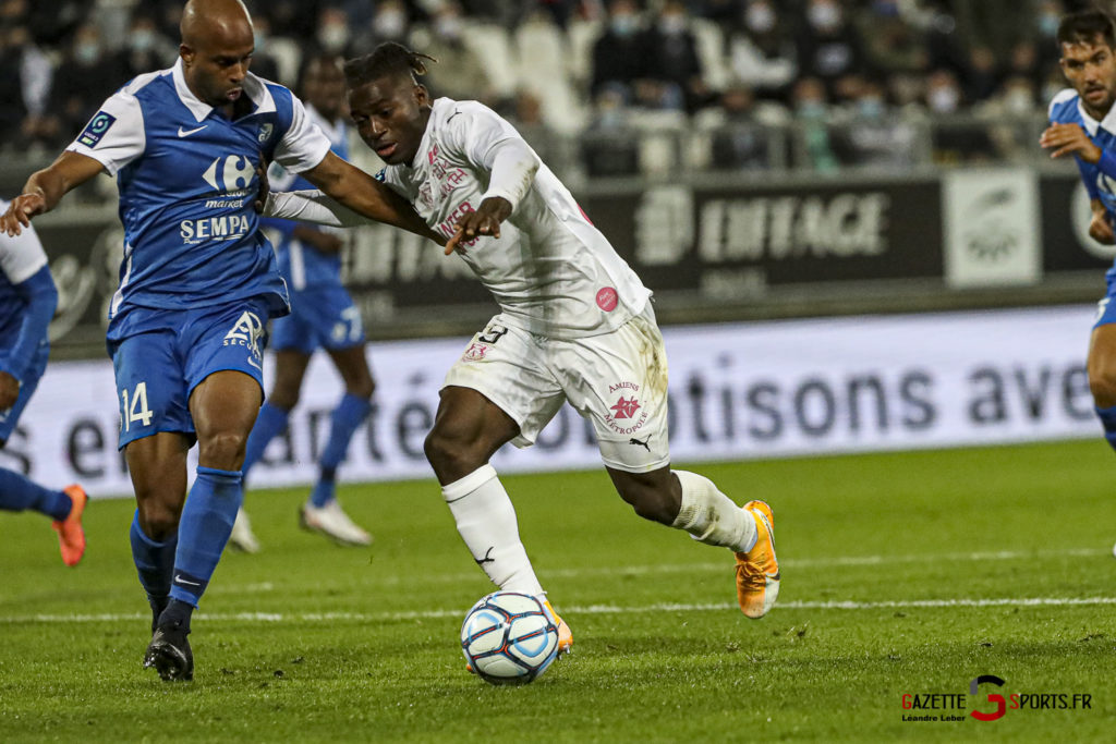 Football Ligue 2 Amiens Vs Grenoble 0053 Leandre Leber Gazettesports