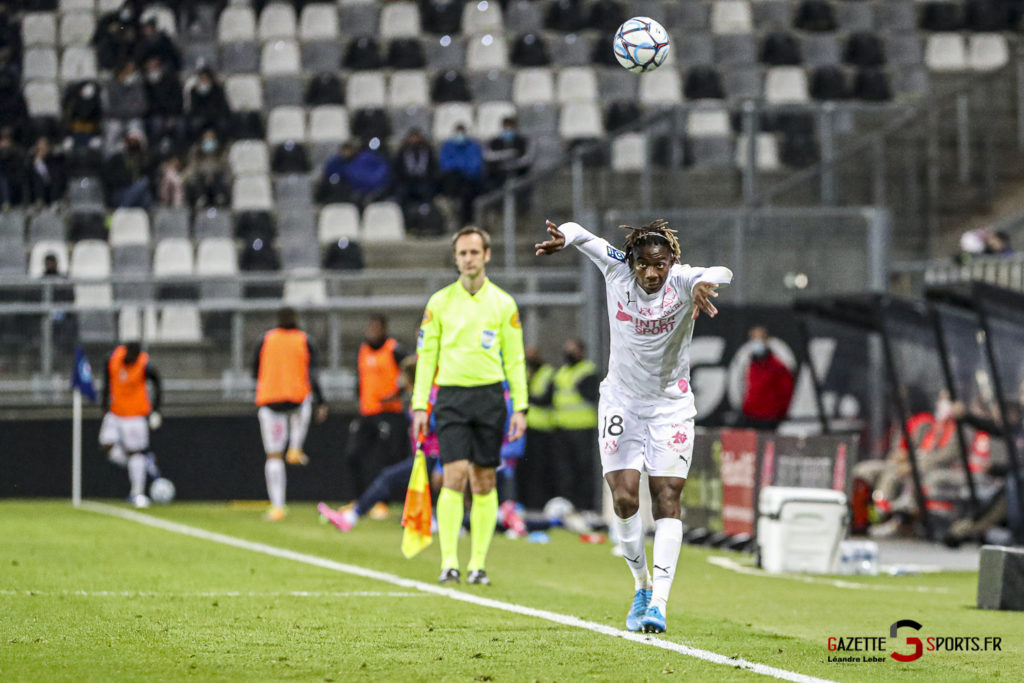 Football Ligue 2 Amiens Vs Grenoble 0055 Leandre Leber Gazettesports