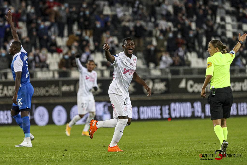 Football Ligue 2 Amiens Vs Grenoble 0056 Leandre Leber Gazettesports