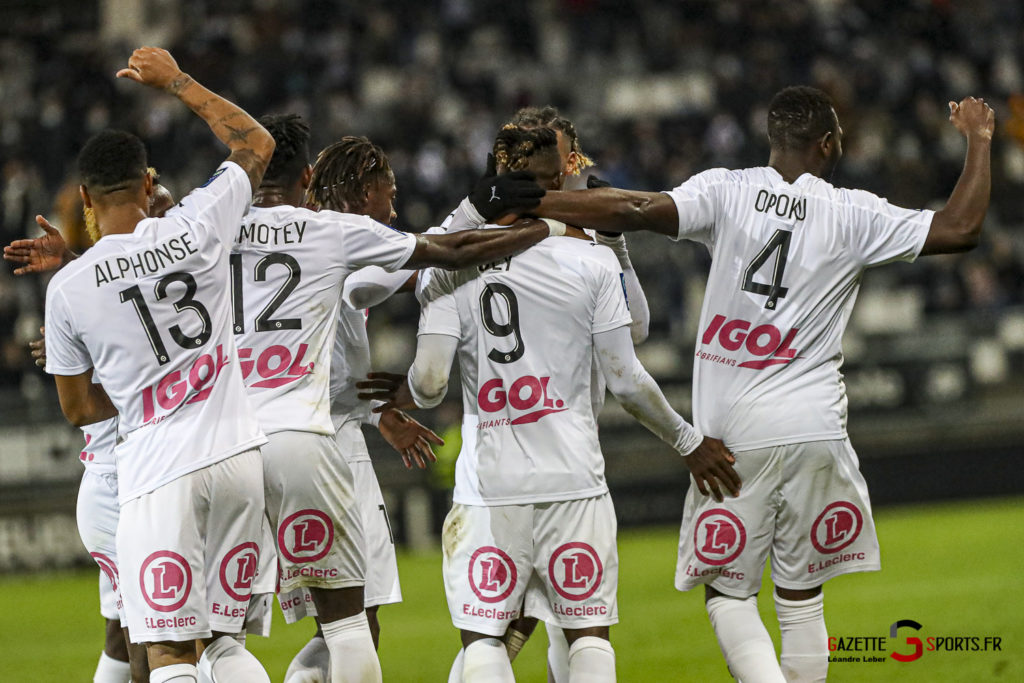 Football Ligue 2 Amiens Vs Grenoble 0066 Leandre Leber Gazettesports