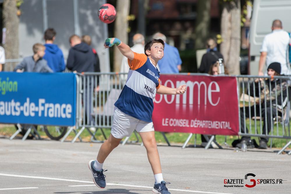 Ballon Au Poing Reynald Valleron 45 1