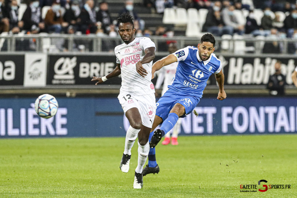 Football Ligue 2 Amiens Vs Grenoble 0009 Leandre Leber Gazettesports 1024x683 1