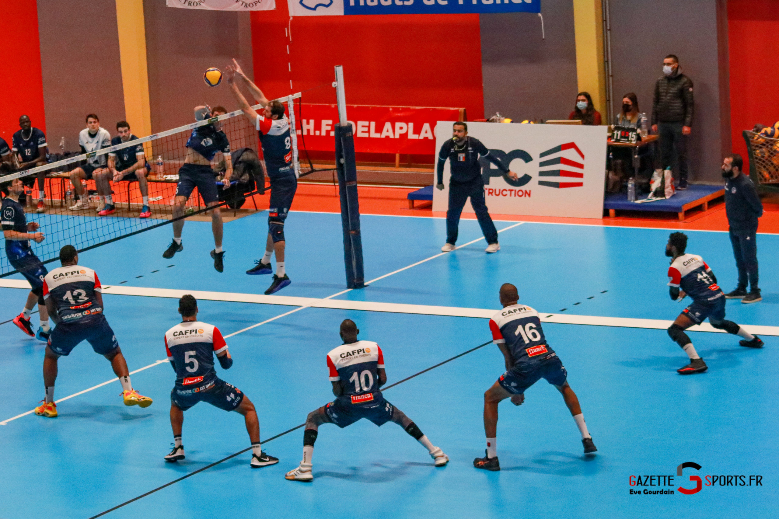 VOLLEYBALL: And now straighten the shifting bar