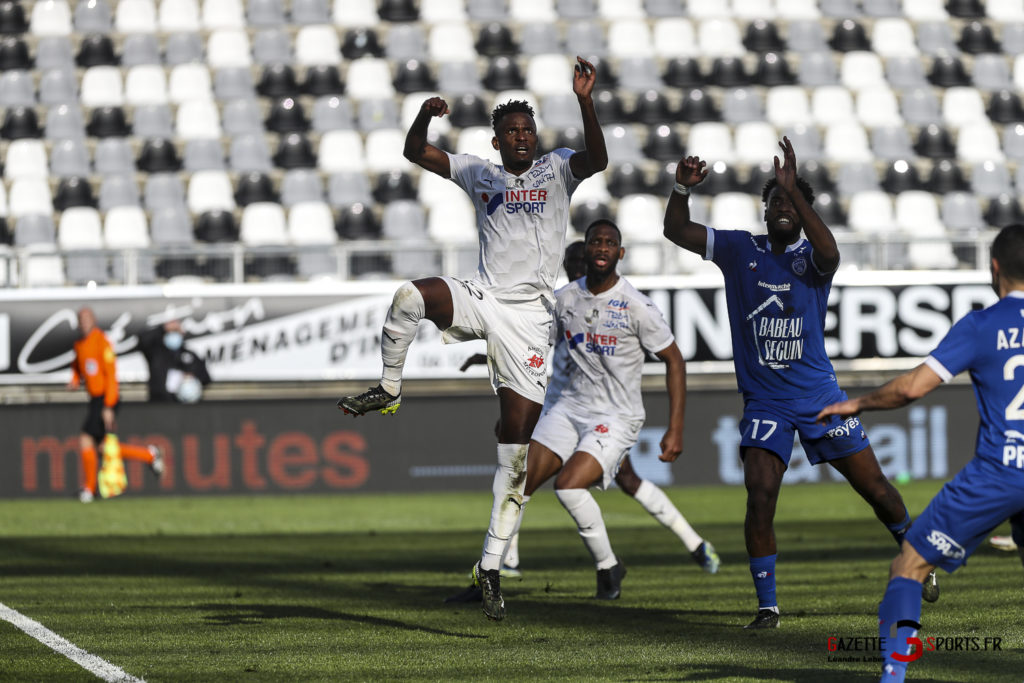 amiens sc vs troyes football ligue 2 0063 leandre leber gazettesports