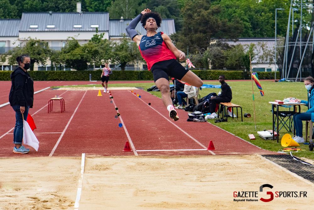 saut en longueur m reynald valleron 19