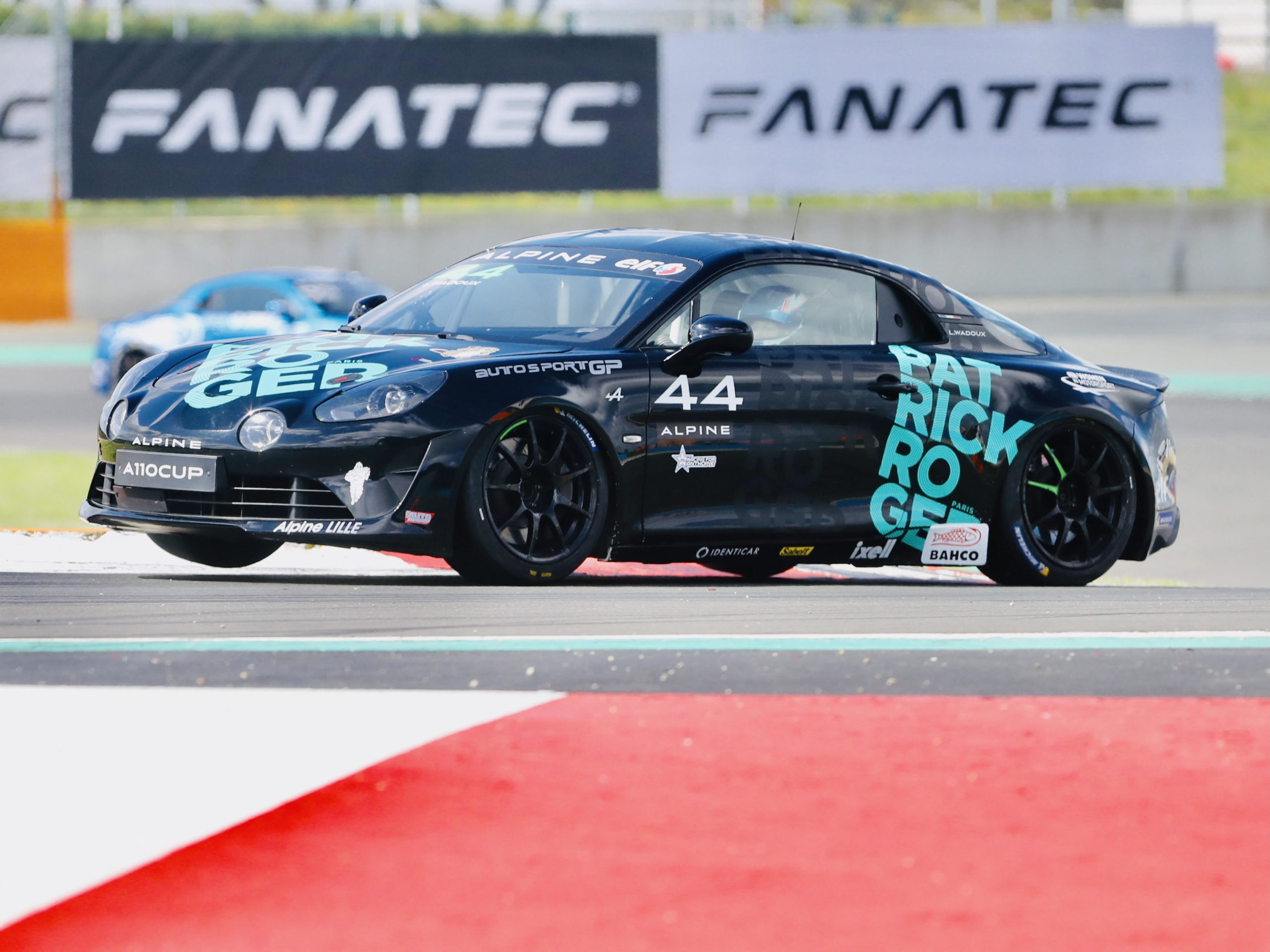 lilou wadoux magny cours voiture