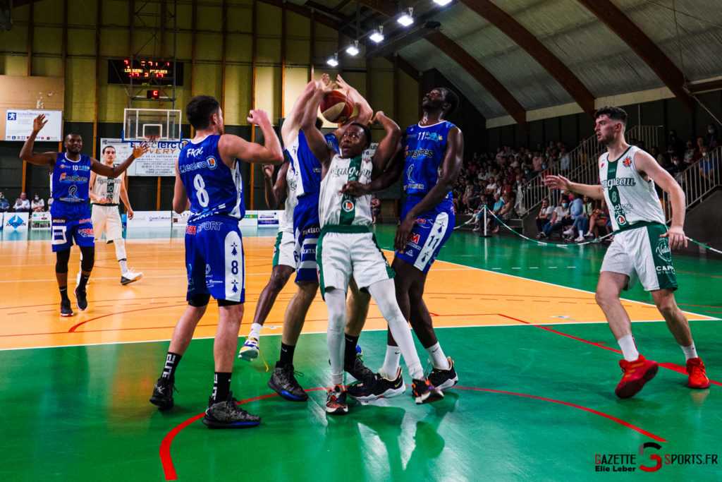 basketeball esclams elieleber gazettesports 11 09 2021 01996