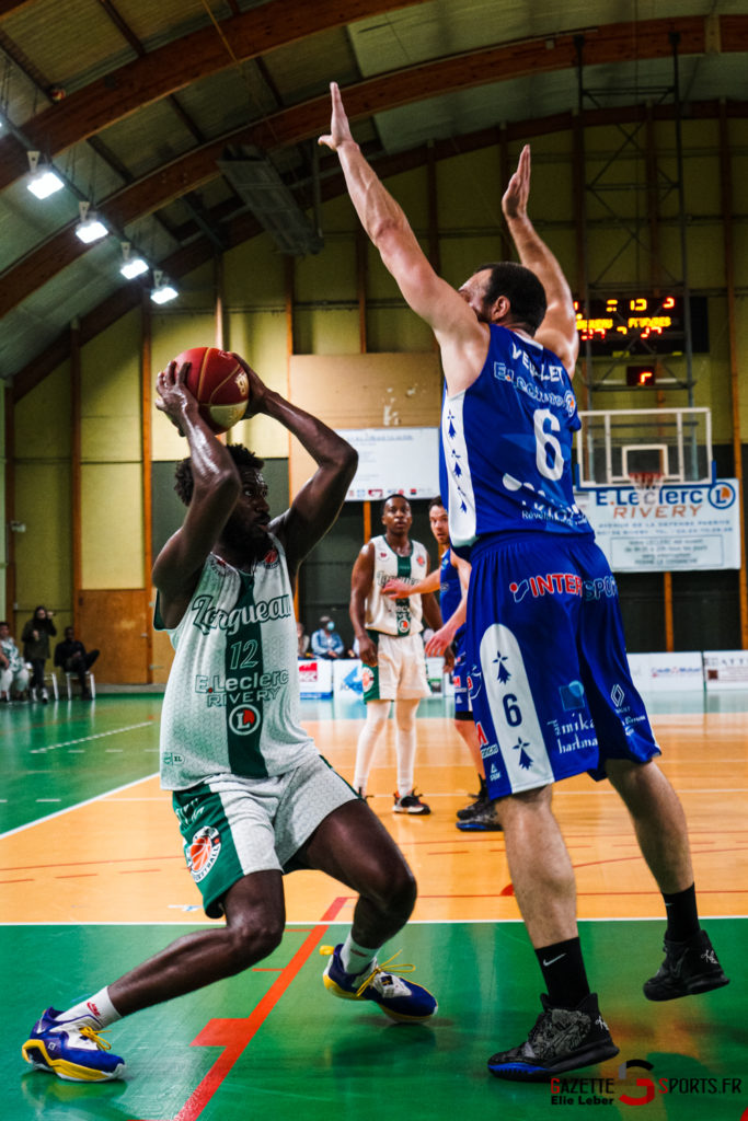 basketeball esclams elieleber gazettesports 11 09 2021 02017