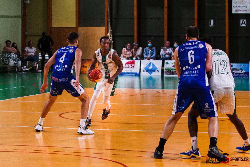 basketeball esclams elieleber gazettesports 11 09 2021 02175